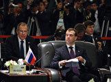 Президент России Дмитрий Медведев (справа) на втором саммите Россия – АСЕАН. Слева – Министр иностранных дел России Сергей Лавров.