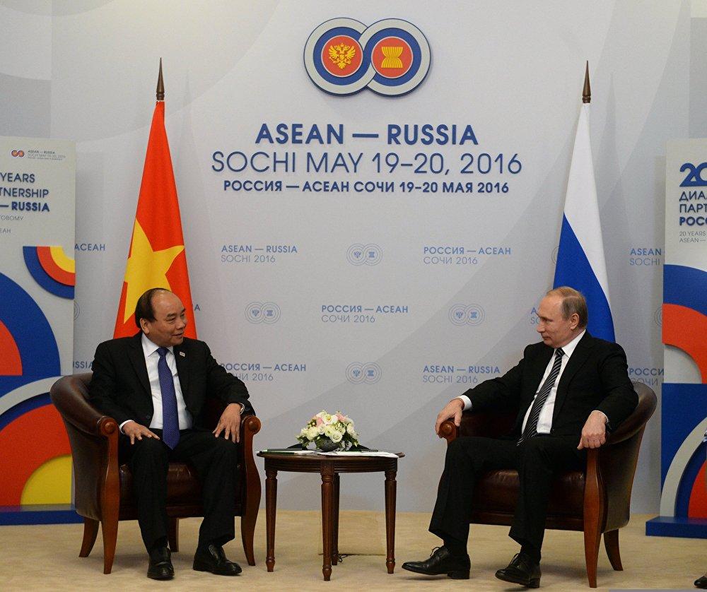 Двусторонняя встреча президента РФ В. Путина с премьер-министром Социалистической Республики Вьетнам Нгуен Суан Фуком